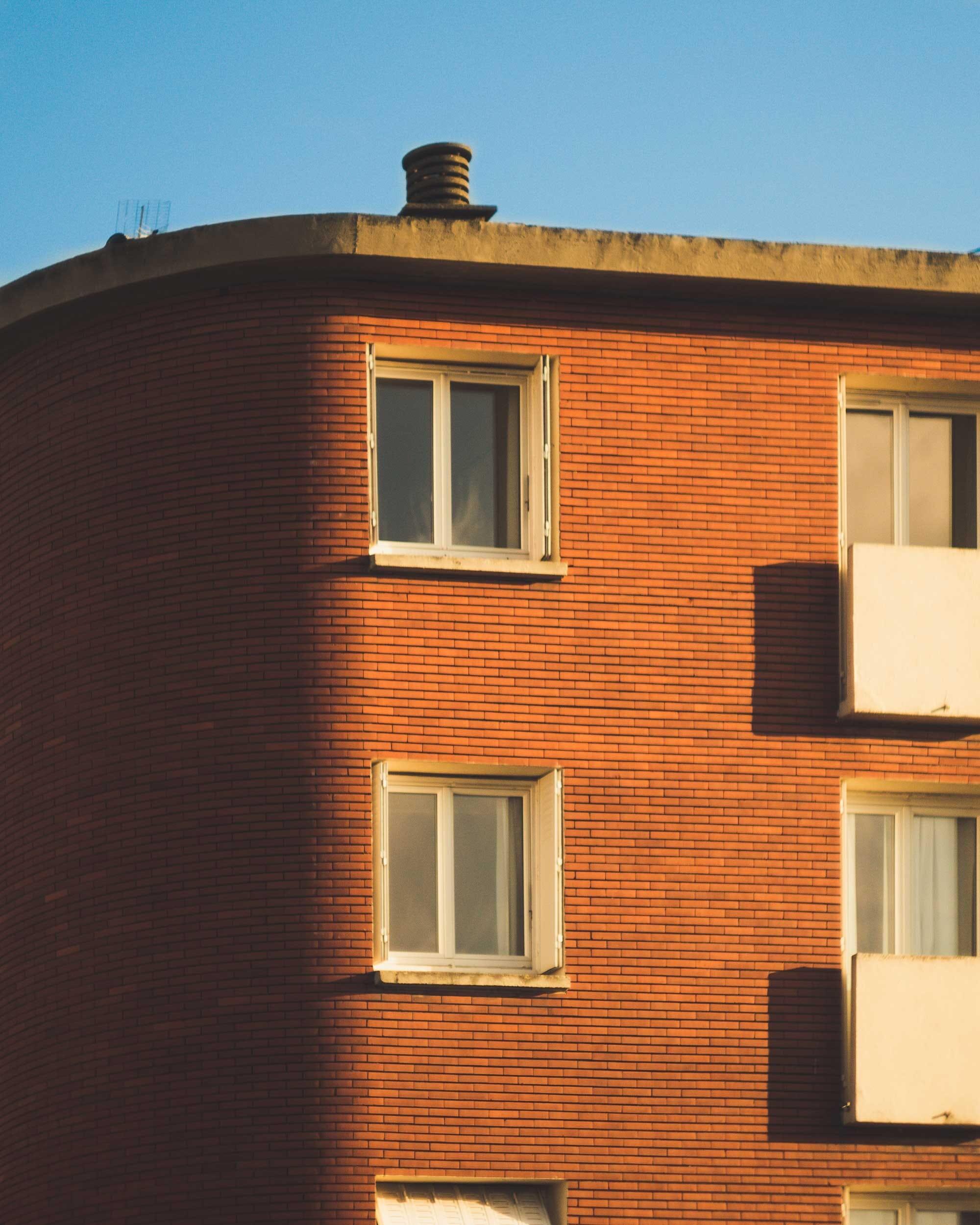 Bâtiment Toulousain en brique rouge